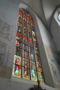 Das Ostfenster im Münster im Morgenlicht schräg von unten hochkant Sept 2018