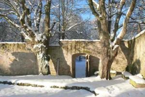 Wintertraumtag Dez 2012 Ecke Herrenhausgarten im Schnee und Morgensonne (FILEminimizer)